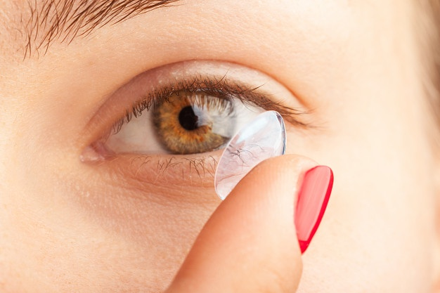 contact lenses in pakistan